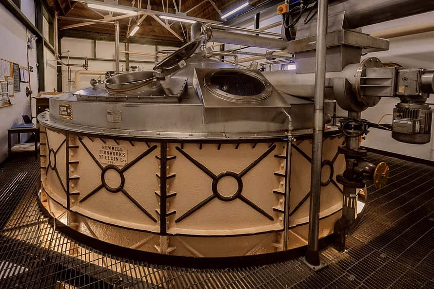 The Mash Tun at Ardbeg distillery runs 5 tonnes of grist per mash cycle. There are 15 mash cycles per week (run over 24 hours/7 days a week). Each cycle produces 23,000 litres of wort.